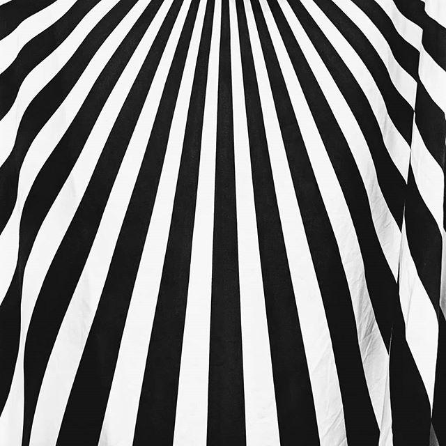RUNDHOLZ spring/summer 19. Looking for something edgy and graphic?  #rundholz #patternlove #blackandwhiteclassic  #womensfashion #germanfashion #europeanfashion #boutiqueshopping #avantgardefashion #fashionforallsizesandshape #instafashion #fashionpost #milieustyle #detroitfashion #birminghammi #raildistrict #graphicprint #monochromaticfashion #edgyfashion #graphicfashion #springsummer19 #readytowear #dresses #blackandwhite #birminghamshopping #designerclothing