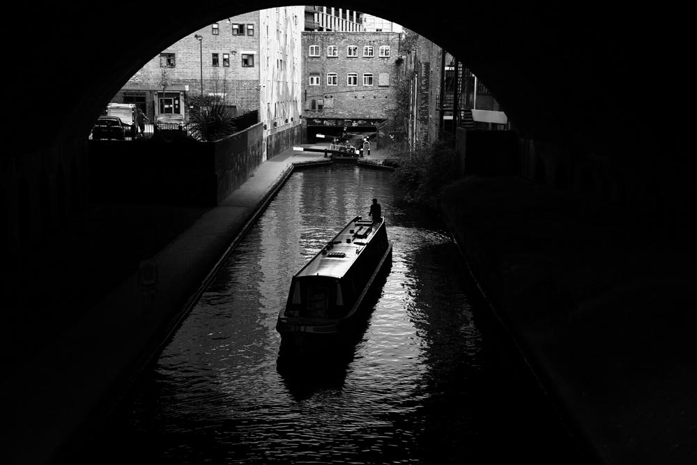 canal boat lock queue