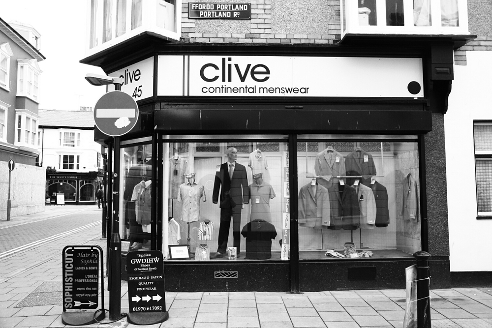 nothing says European like Clive (Canon 6D)
