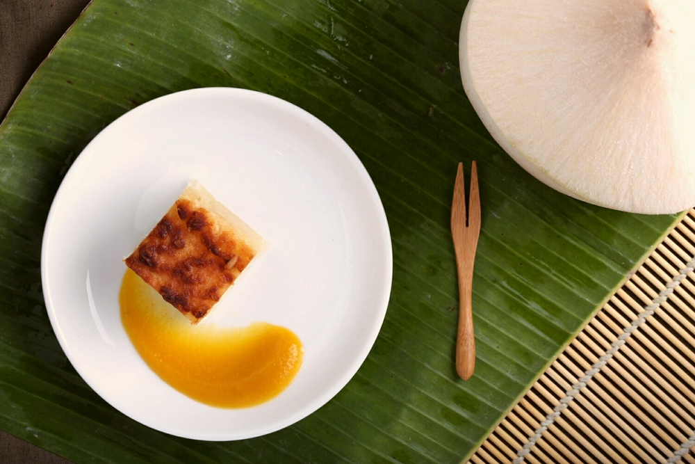 Cassava with mango sauce