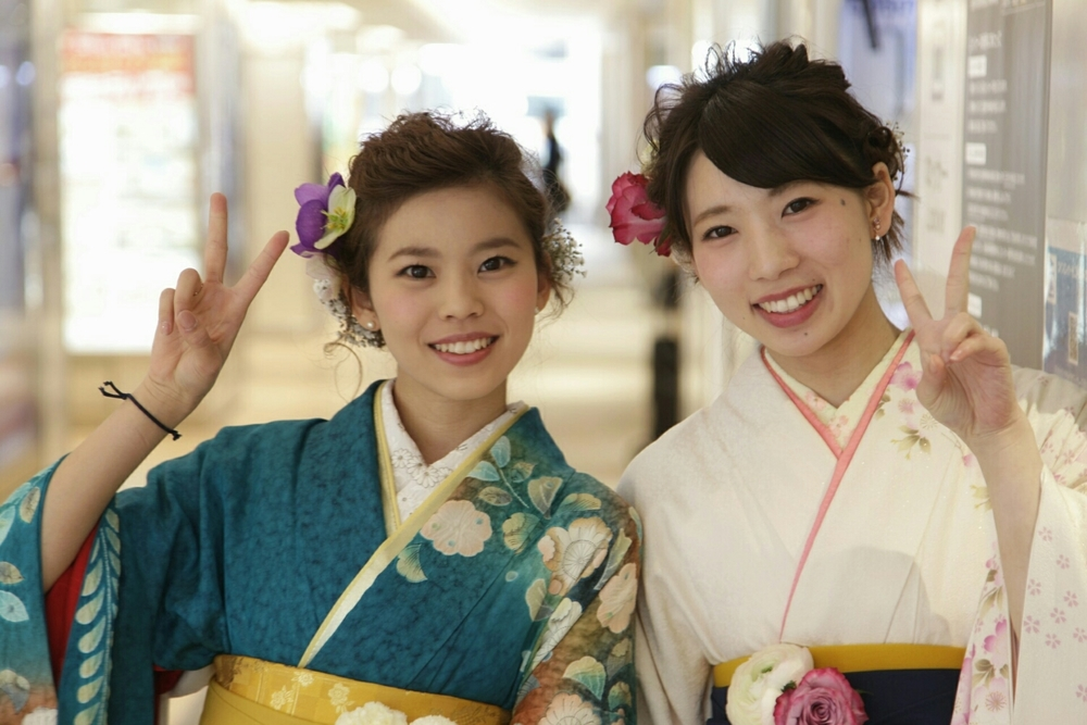 Rika and Yui - dressed in kimono for their graduation.