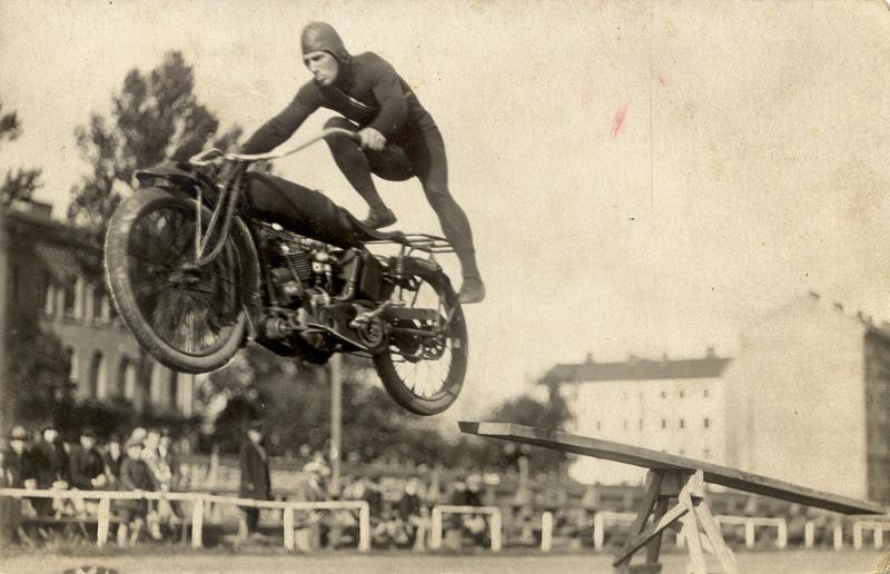 05-motocikls