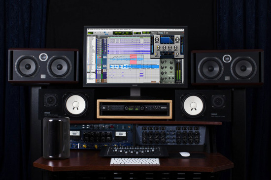 Ensemble-Thunderbolt-Logic-Mac-Pro-14401-1030x686.jpg