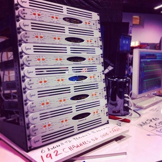 Lynx-Aurora-Thunderbolt-rack.jpg
