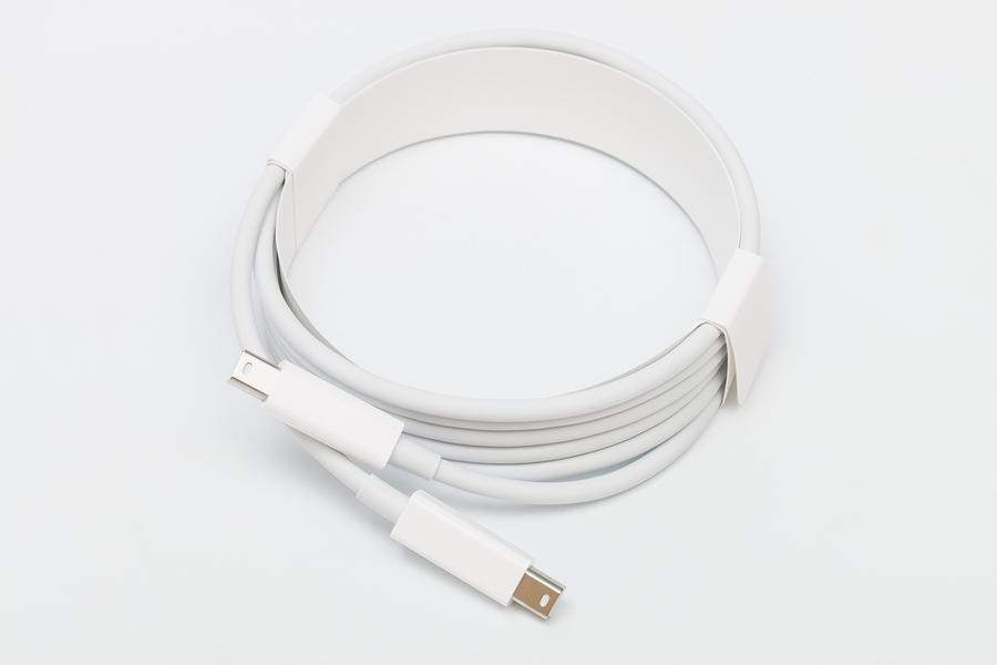 Thunderbolt Cable.jpg