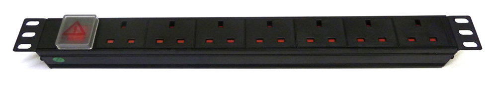 "13amp POwer outlet 19"" rack"