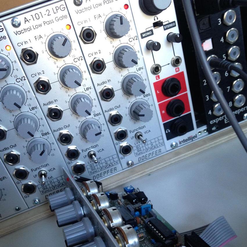 Doepfer A-101-2 Vactrol LPG Gate Module