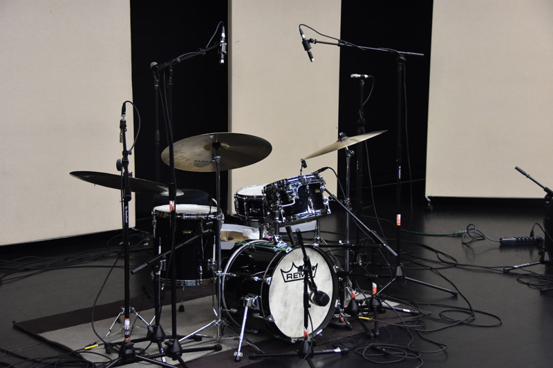 Drum-Mic-Choices-And-Placement-.jpg