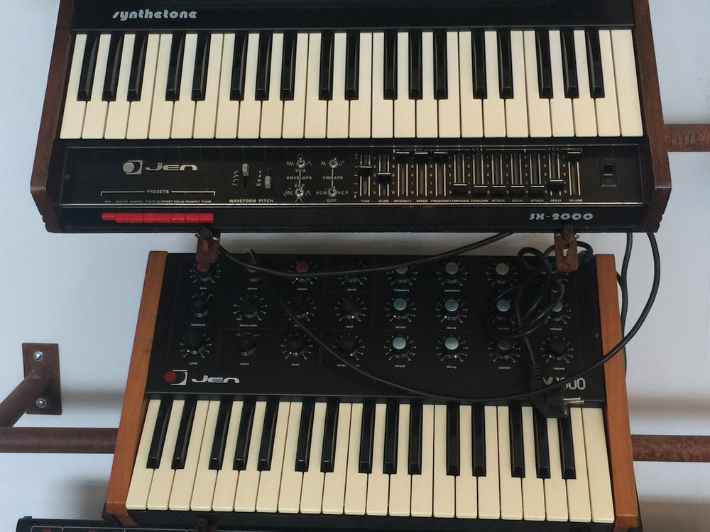 Jen SX-2000 and SX-1000 synths