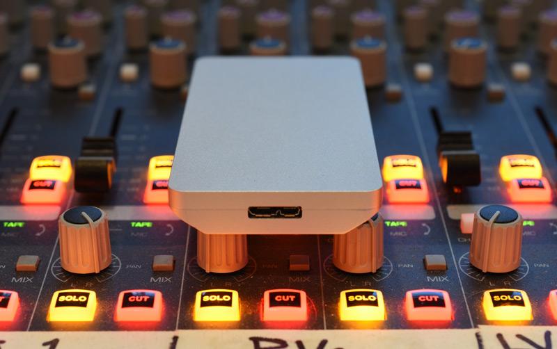 OWC-Envoy-Pro-EX-USB-Port-.jpg