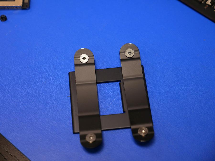 Processor heatsink spring clips