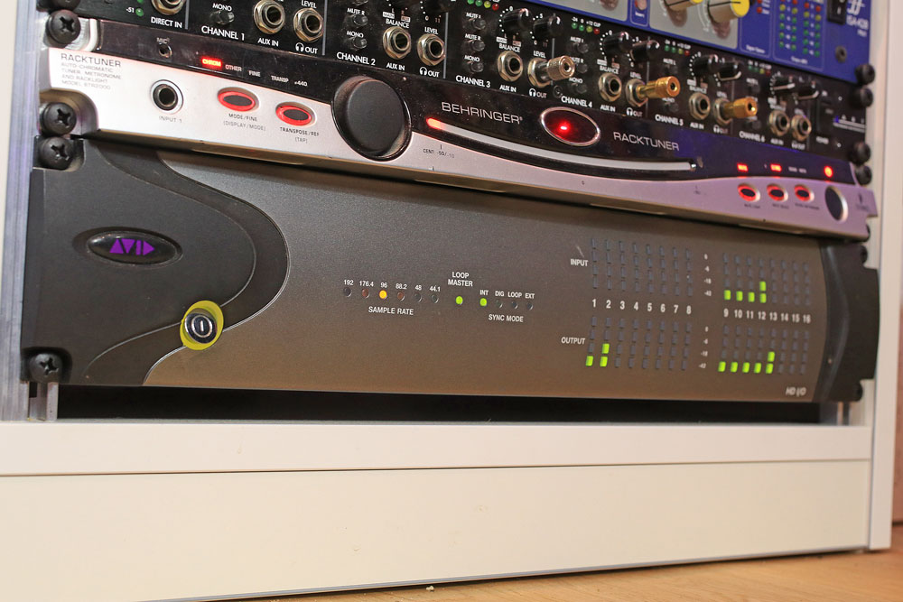 pro-tools-studio-audio-interface-avid-io-16x16x16.jpg