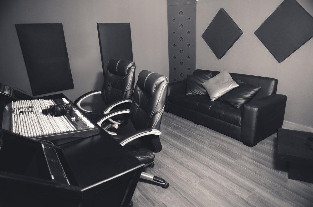 budget home recording studio acoustic treatment sofa absorption .jpg