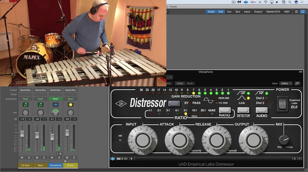 a picture of eli krantzberg recording jazz vibraphone in logic pro x