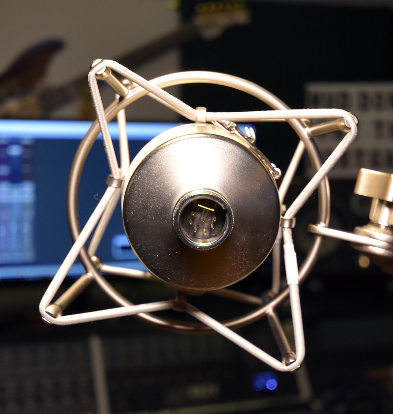 Warm Audio WA047 7 Pin XLR Connection