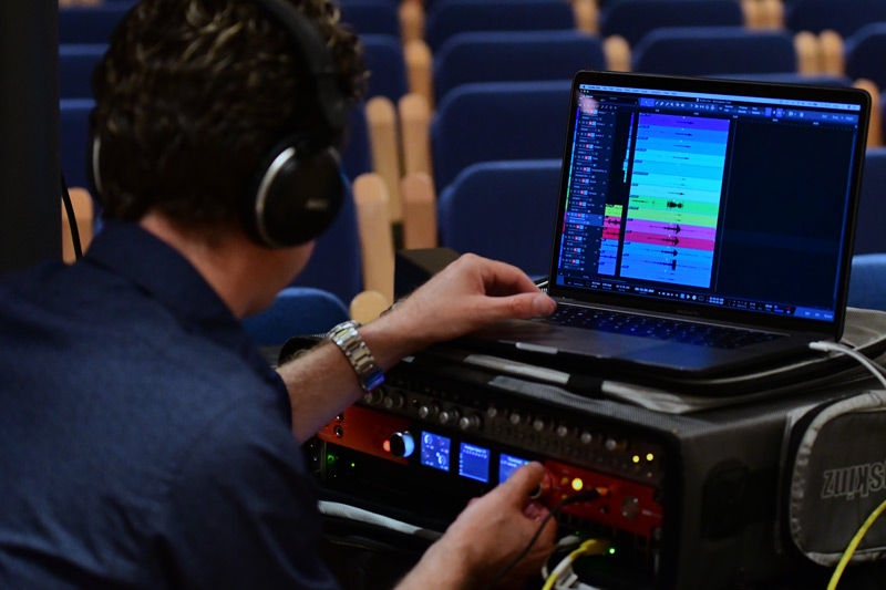 Setting the mic gain on the Focusrite Red 4Pre