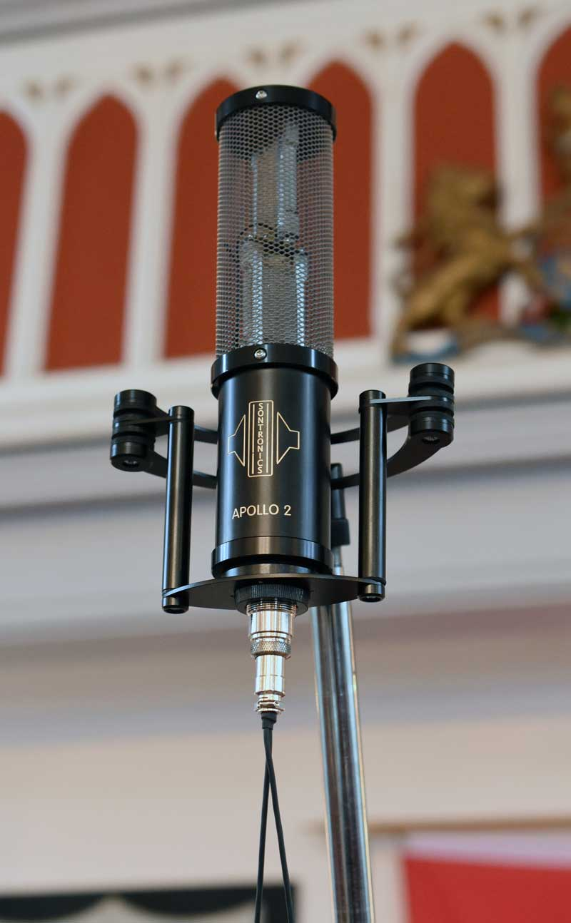 Sontronics Apollo II duel element stereo ribbon microphone being used as a room mic.
