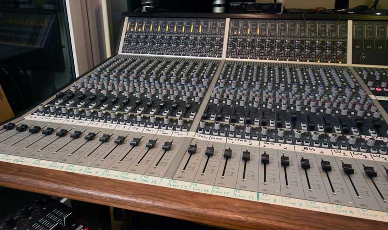 24 Channel Audient ASP8024 HE Console