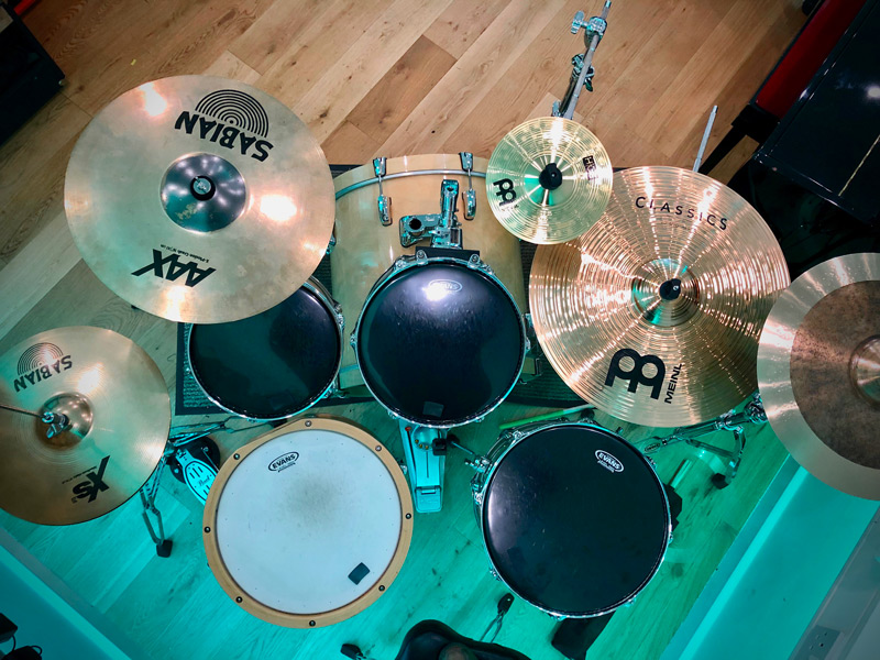 how-can-i-record-multitrack-drums-microphones.jpg
