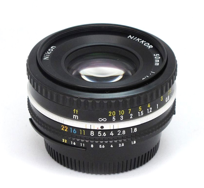50mm 1.8 Nikkor Pancake  Day:  5$   Week:  15$