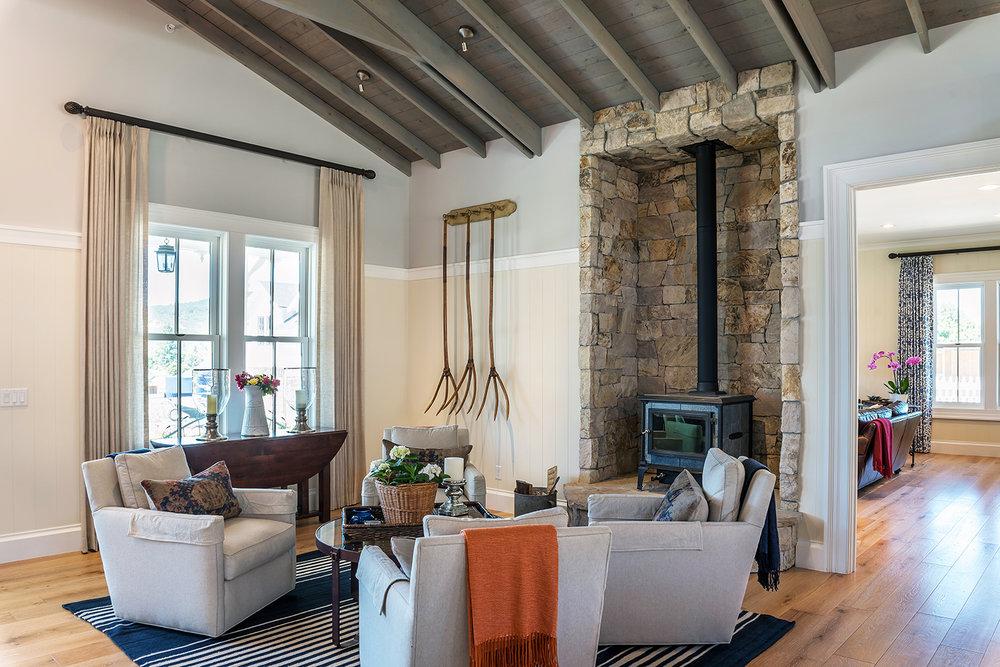 living room-013.jpg