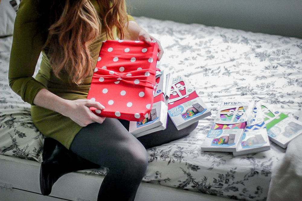 ECO HOLIDAY HACKS WITH WRAPEEZ - KEEP THAT CARBON FOOTPRINT
