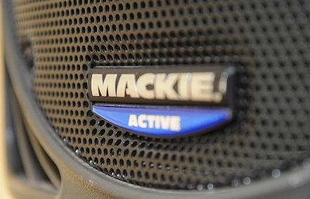 mackie12aa.jpg