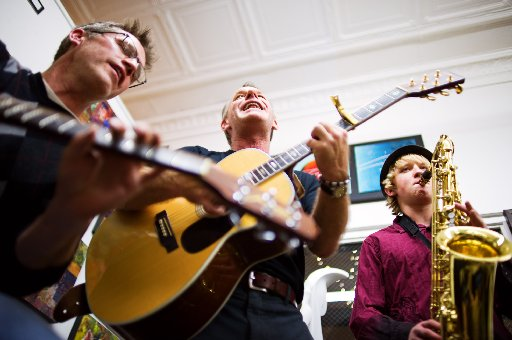Andy Williams, Darren LeBlanc and Reese LeBlanc perform at the Bittersweet gallery. ( Jonathan Castner )