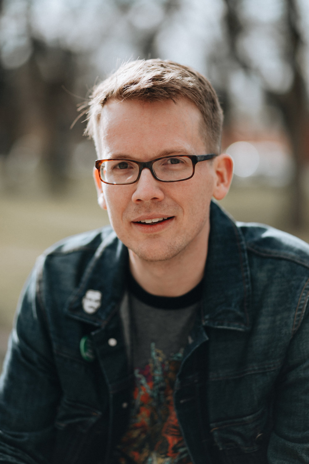 Hank Green_author photo_credit Ashe Walker.jpg