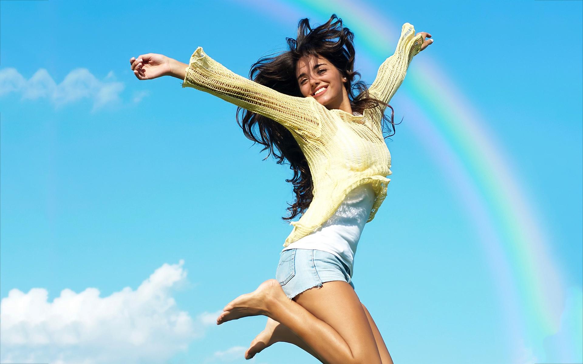 http://static1.squarespace.com/static/54d6d965e4b0b474c080e291/t/55171323e4b00e3284153d64/1427575606162/girl-joy-of-living.jpg?format=2500w