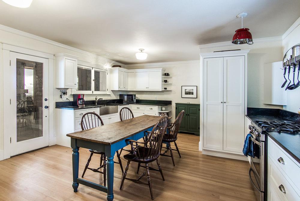 Kitchen_high_2142172.jpg