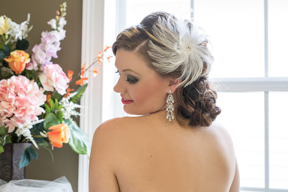 Close up picture of a bridal head piece