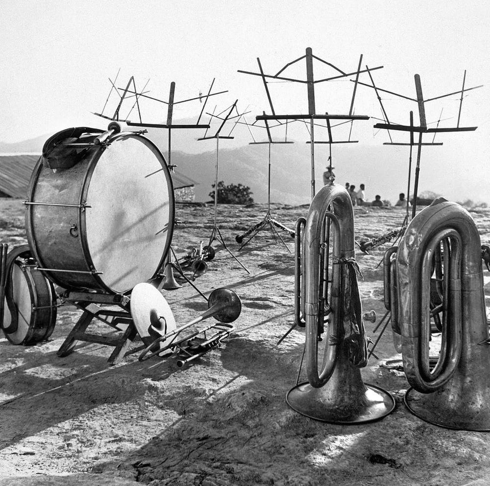 Instrumentos Musicales by Juan Rulfo | Image courtesy of Museo Bellas Artes