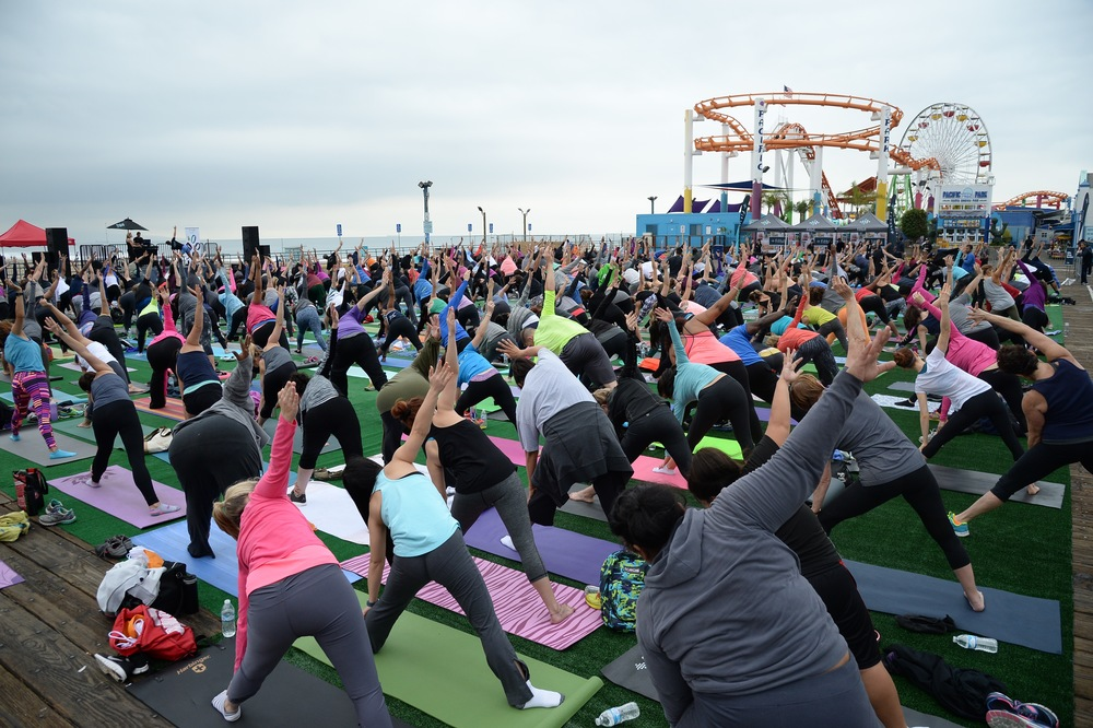 A roller coaster, Pacific Ocean, the Santa Monica Pier and a few hundred people were the perfect setting for the launch of Fitbit Local Los Angeles.