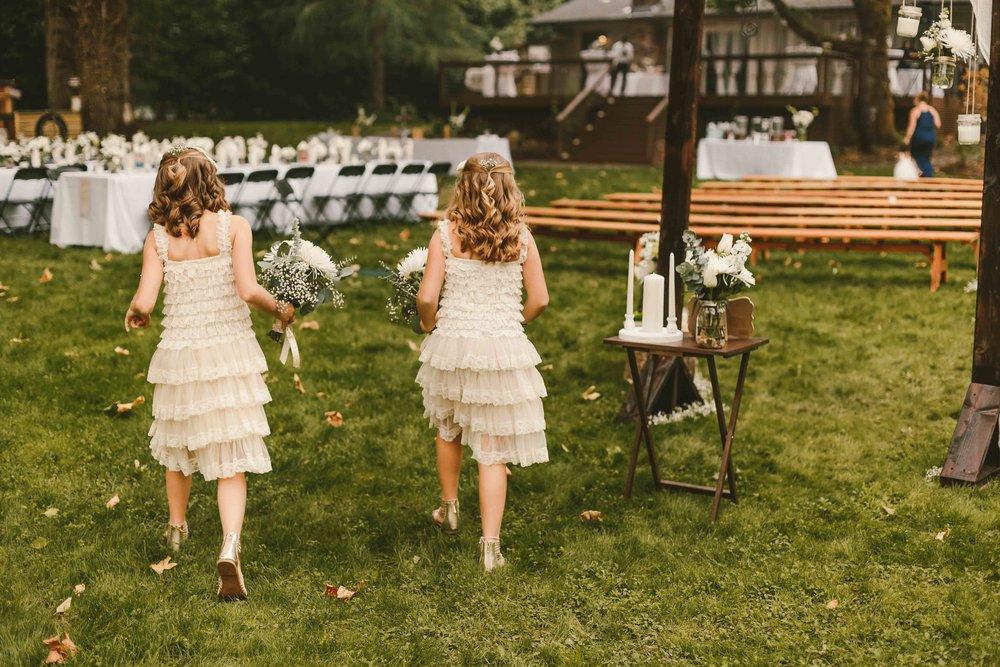 Backyard Wedding- Oregon - Cozy-33.jpg