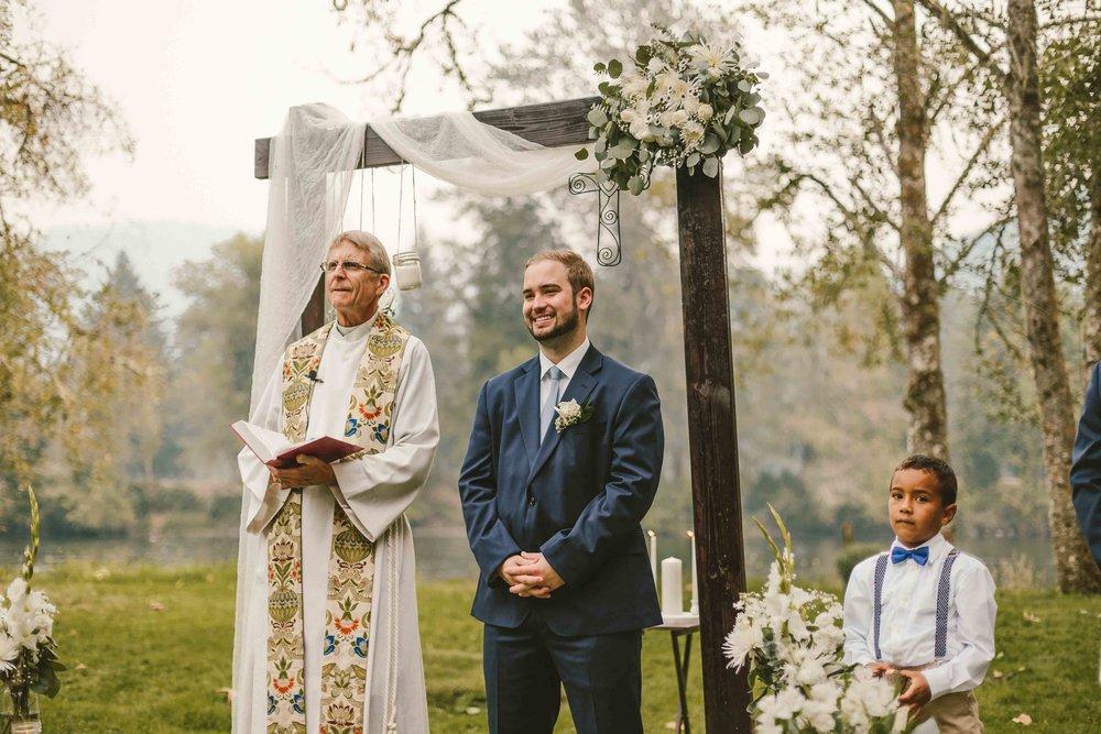 Backyard Wedding- Oregon - Cozy-49.jpg