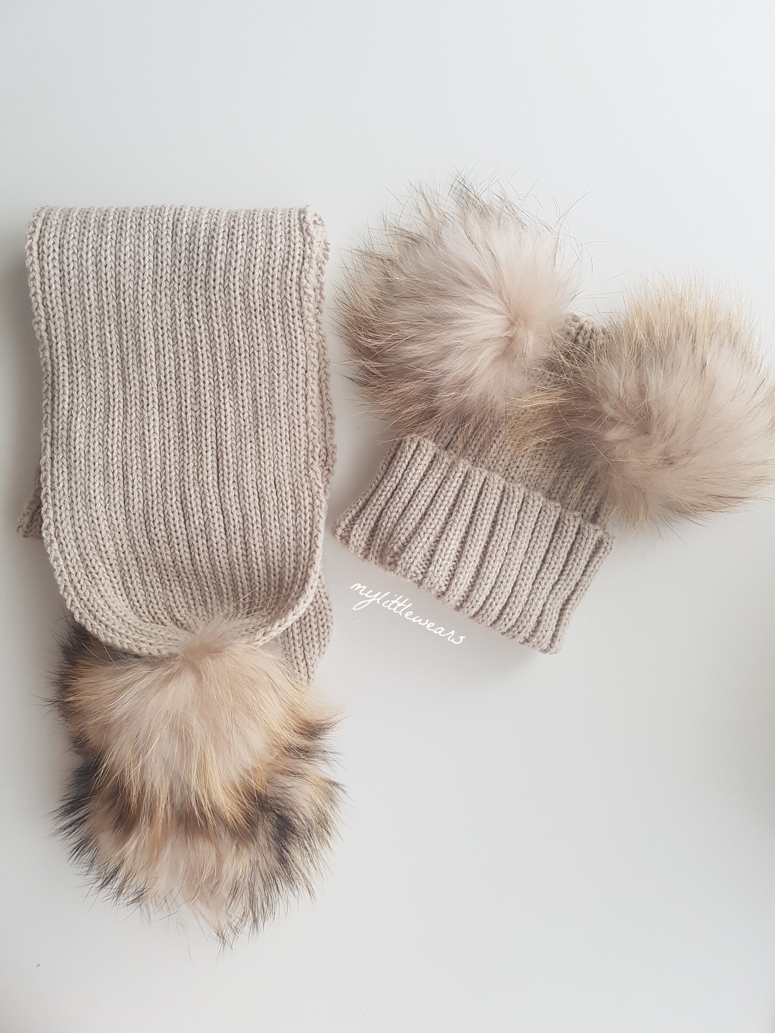 dfefee56df Minnie Mouse PomPom Hat & Scarf Set - Cappuccino Cream — mylittlewears