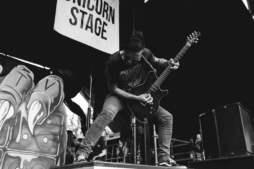 Pierce_The_Veil_Auburn_Warped_Tour_Nguyen_Tim-2.jpg