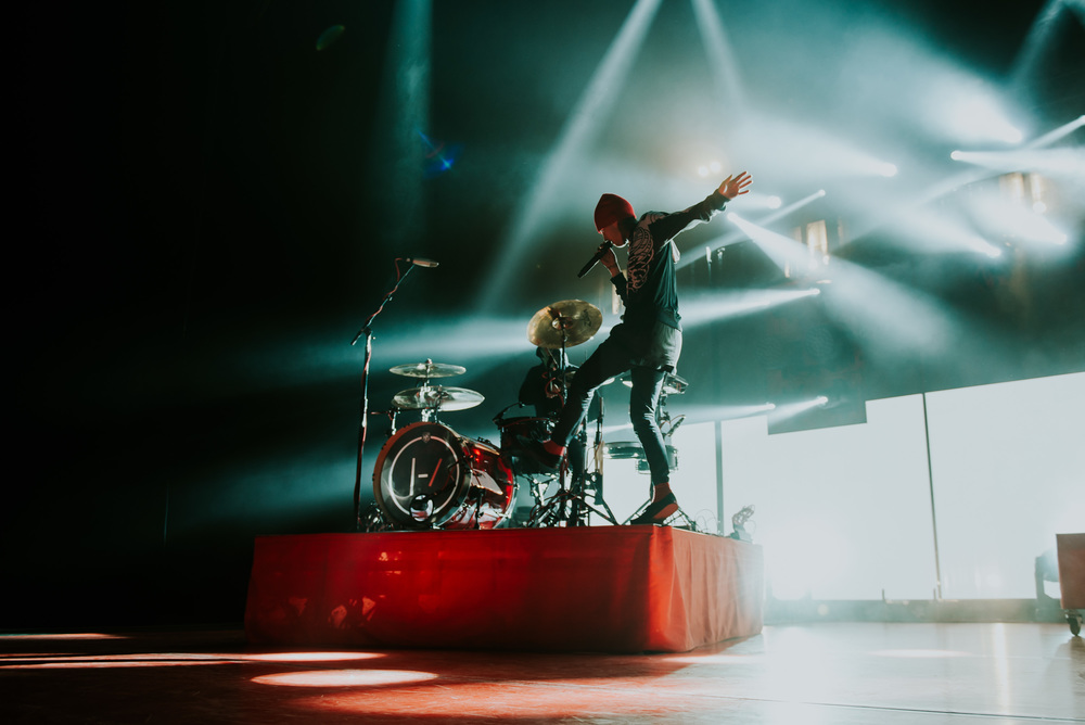 1_Twenty_One_Pilots_Queen_Elizabeth_Theatre_Timothy_Nguyen (6 of 18).jpg