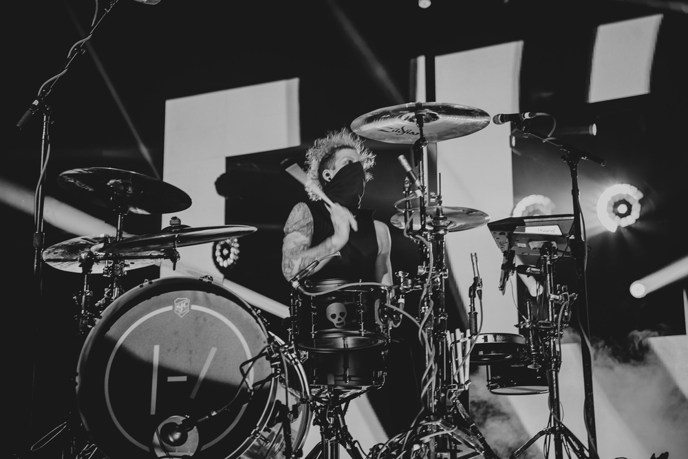 1_Twenty_One_Pilots_Queen_Elizabeth_Theatre_Timothy_Nguyen (12 of 18).jpg