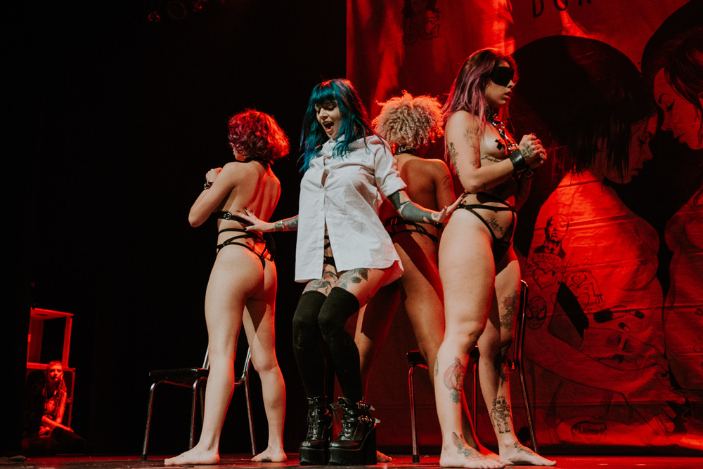 1_Suicide_Girls_BlackheartBurlesque_Vancouver2016_Timothy_Nguyen (71 of 156).jpg