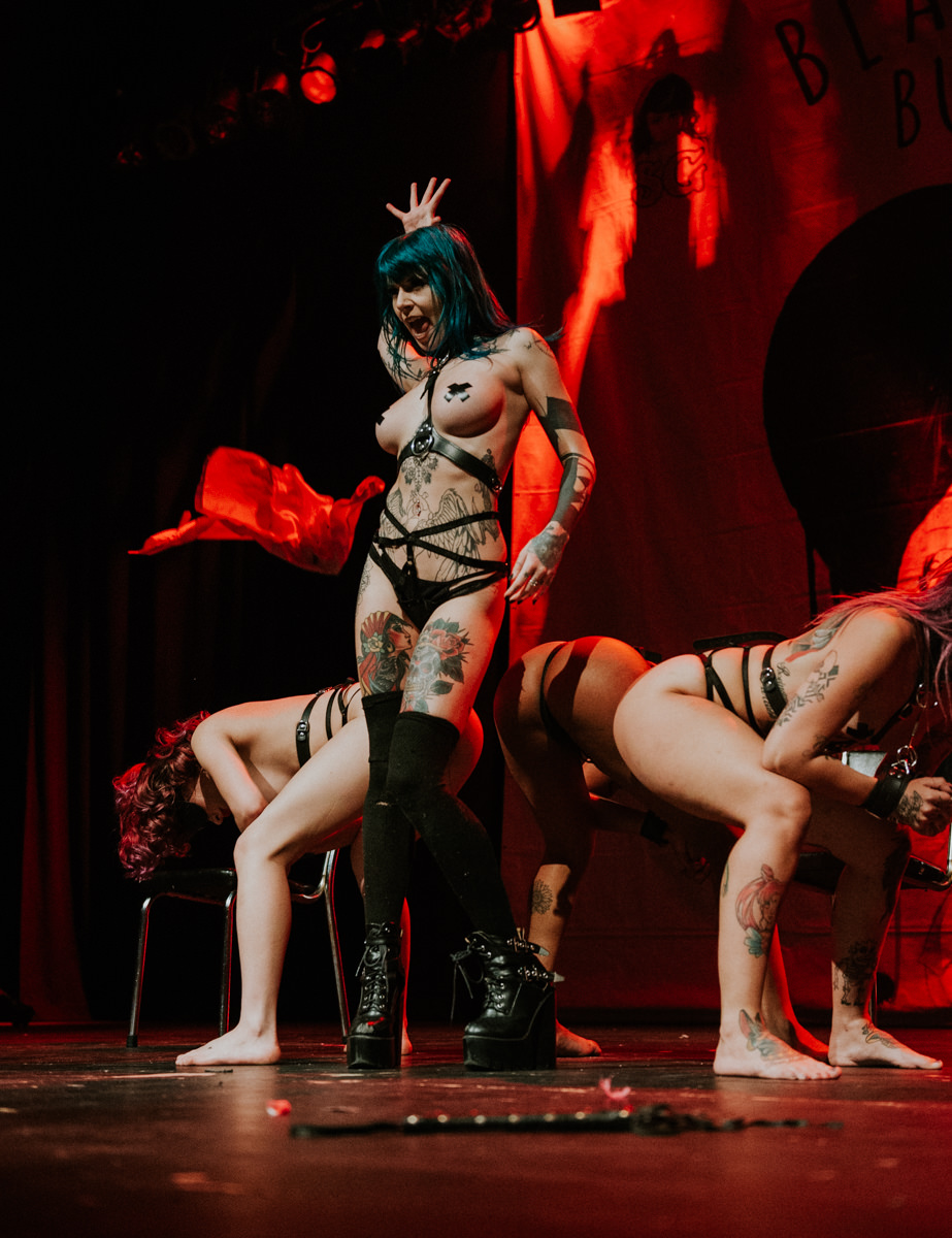1_Suicide_Girls_BlackheartBurlesque_Vancouver2016_Timothy_Nguyen (73 of 156).jpg