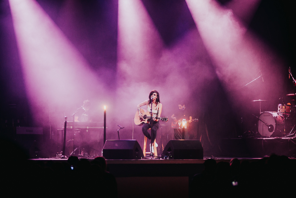 1_LIGHTS_Acoustic_Vogue_Theatre_Timothy_Nguyen (3 of 9).jpg