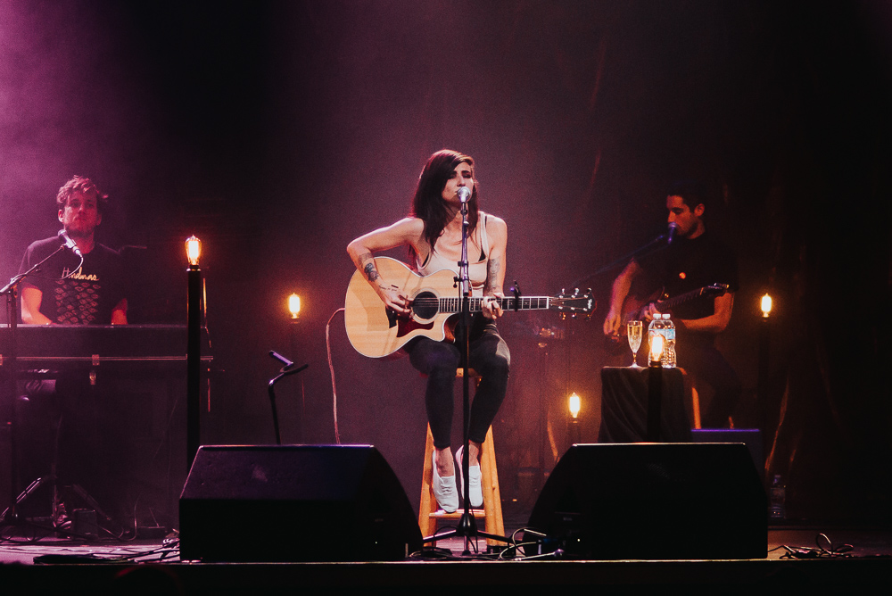 1_LIGHTS_Acoustic_Vogue_Theatre_Timothy_Nguyen (7 of 9).jpg