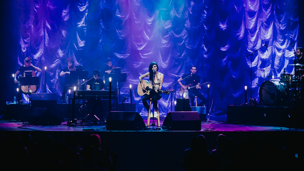 1_LIGHTS_Acoustic_Vogue_Theatre_Timothy_Nguyen (9 of 9).jpg