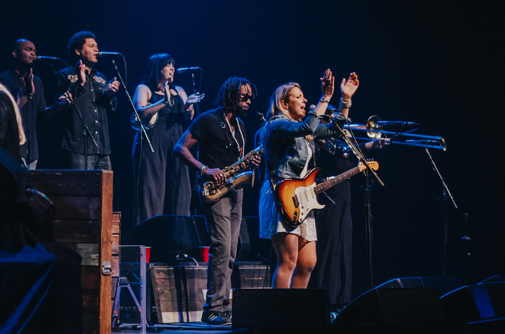 1_Tedeschi_Trucks_Band_Queen_Elizabeth_Timothy_Nguyen_20160628 (9 of 16).jpg
