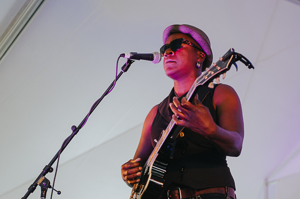 5_Cecile_Doo-Kingue_Blues_And_Roots_2016_Tim-Nguyen (5 of 10).jpg