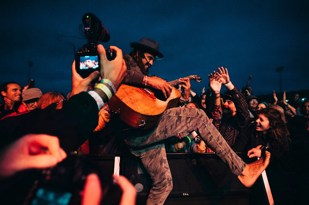 2_Michael_Franti_&_Spearhead_Rifflandia-Timothy_Nguyen-20160916 (11 of 19).jpg