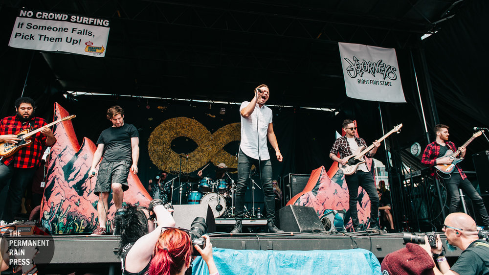 19_Memphis_May_Fire_Vans_Warped_Tour-20170616 (11 of 14).jpg