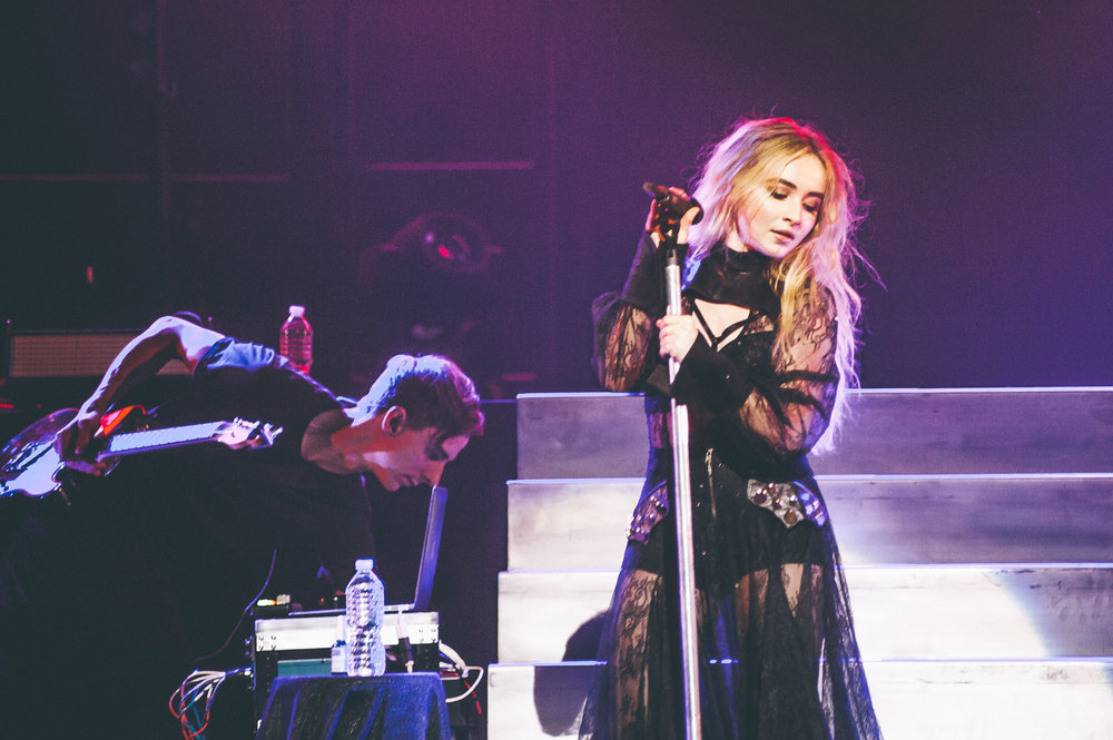 1_Sabrina_Carpenter-Vogue_Theatre-20170706-Timothy_Nguyen (8 of 19).jpg